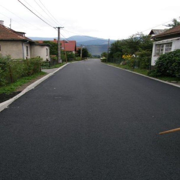 Rekonštrukcia miestnej komunikácie (2009)