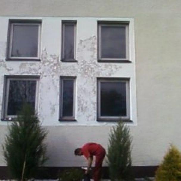 Nová fasáda na dome smútku (2009)