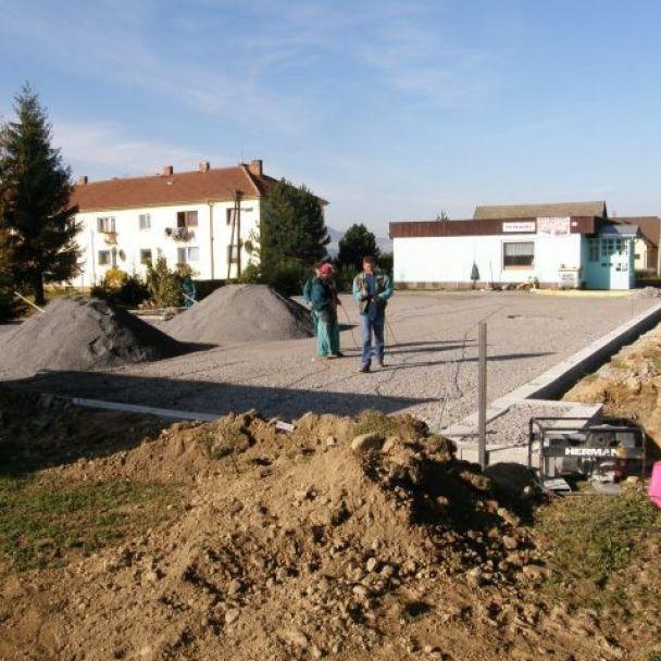 Výstavba multifunkčného ihriska (2008)
