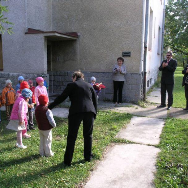 Položenie základného kameňa prestavby bývalej Materskej školy na nájomné byty (19.09.2007)