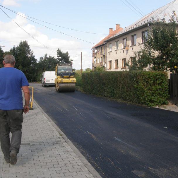 Rekonštrukcia cesty na sídlisko (2009)