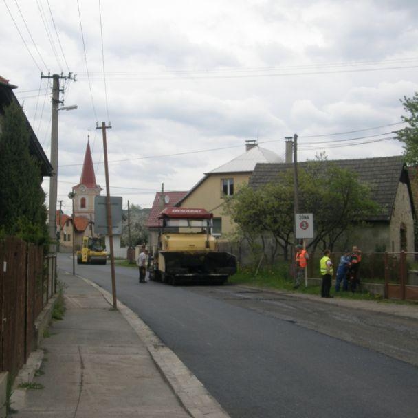 Rekonštrukcia cesty cez dedinu (2014)