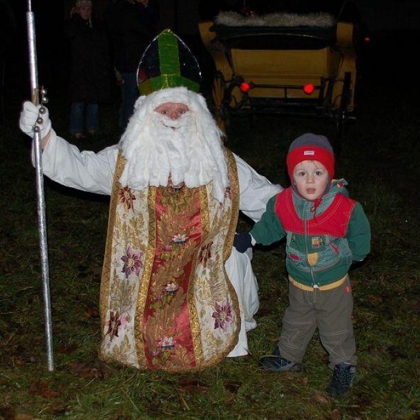 Mikuláš zavítal aj do našej obce (2007)