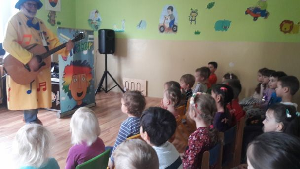 Motýliky - Hudobný koncert s ujom Viktorom