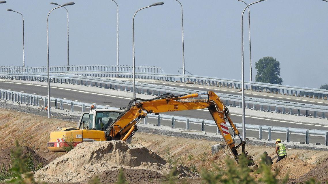Búranie diaľničného mosta